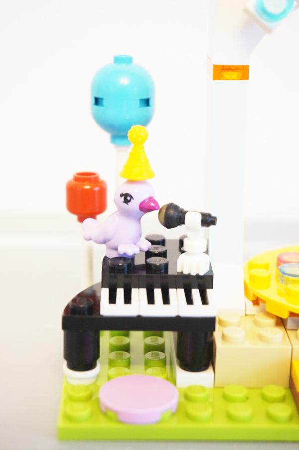 ピアノと鳥