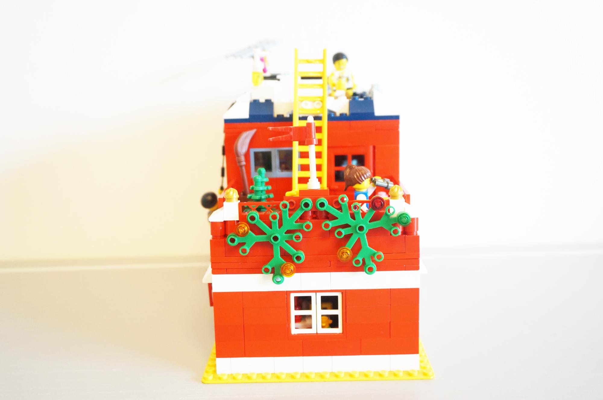レゴの家横