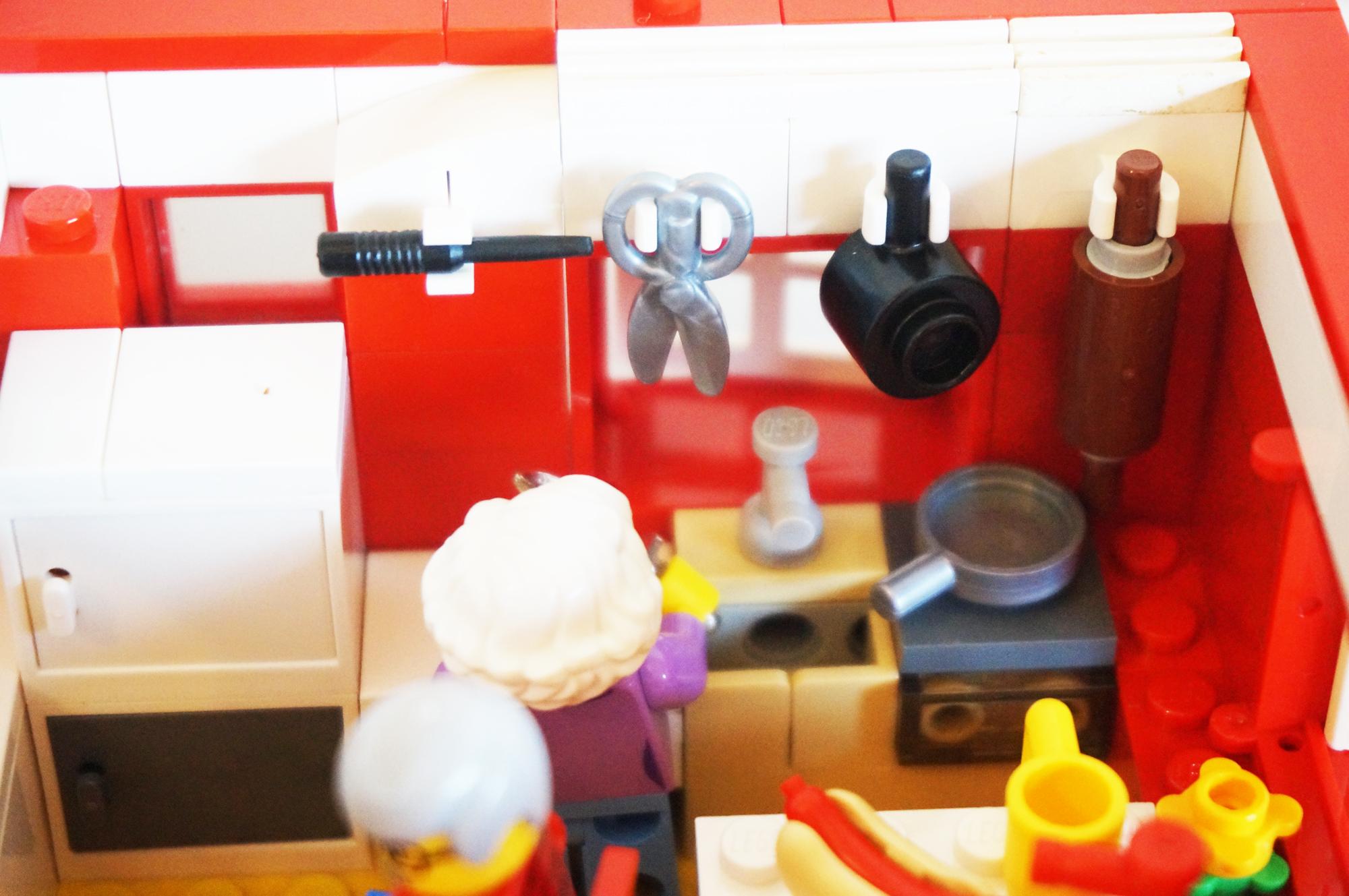 料理するおばあちゃん