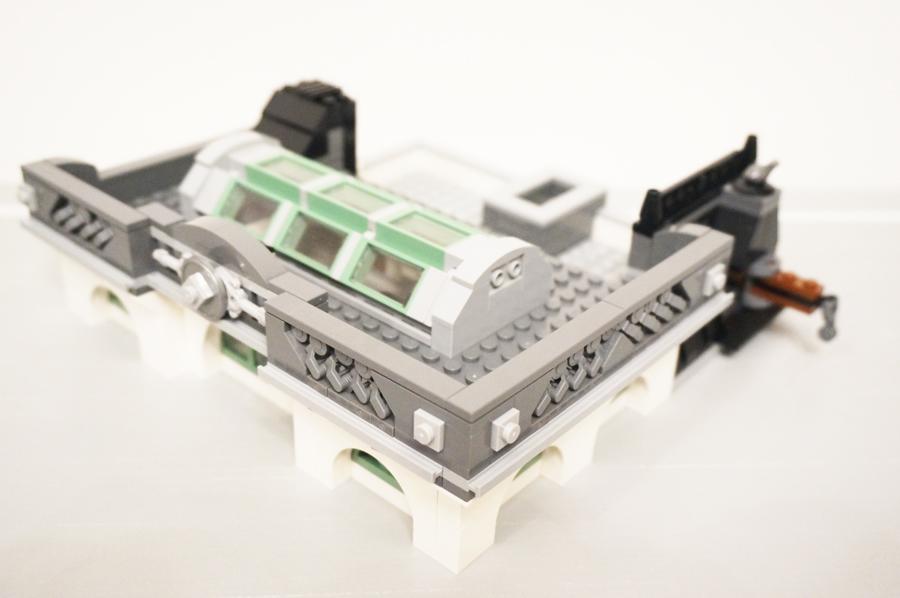 レゴ銀行屋根