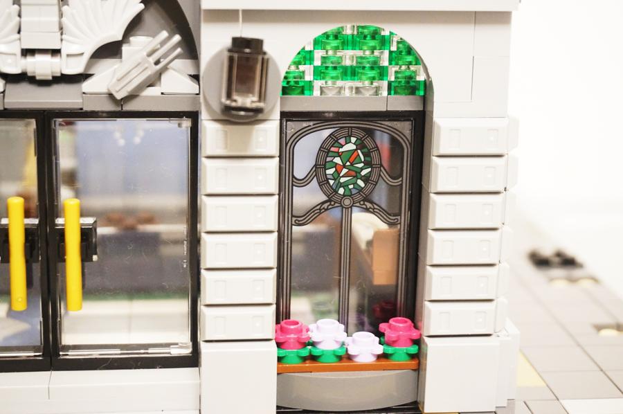 レゴ銀行のステンドグラス