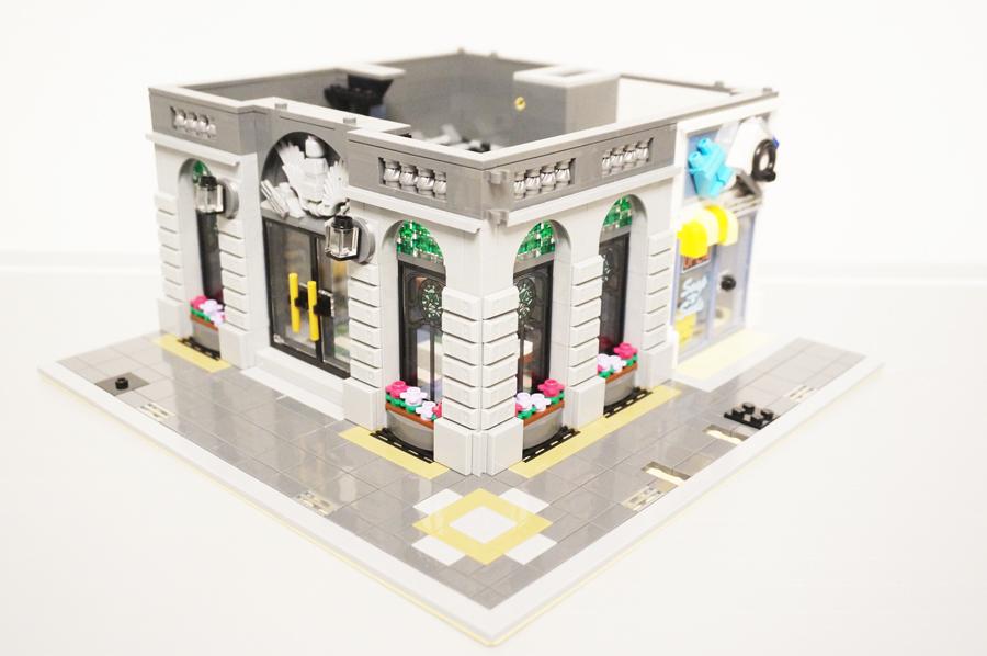 10251レゴ銀行の1階