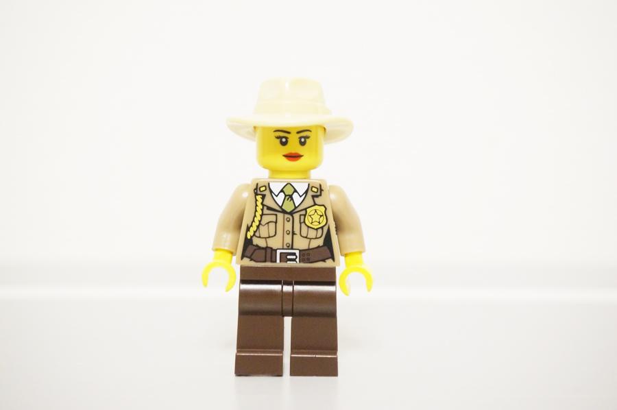ミニフィグ女警官