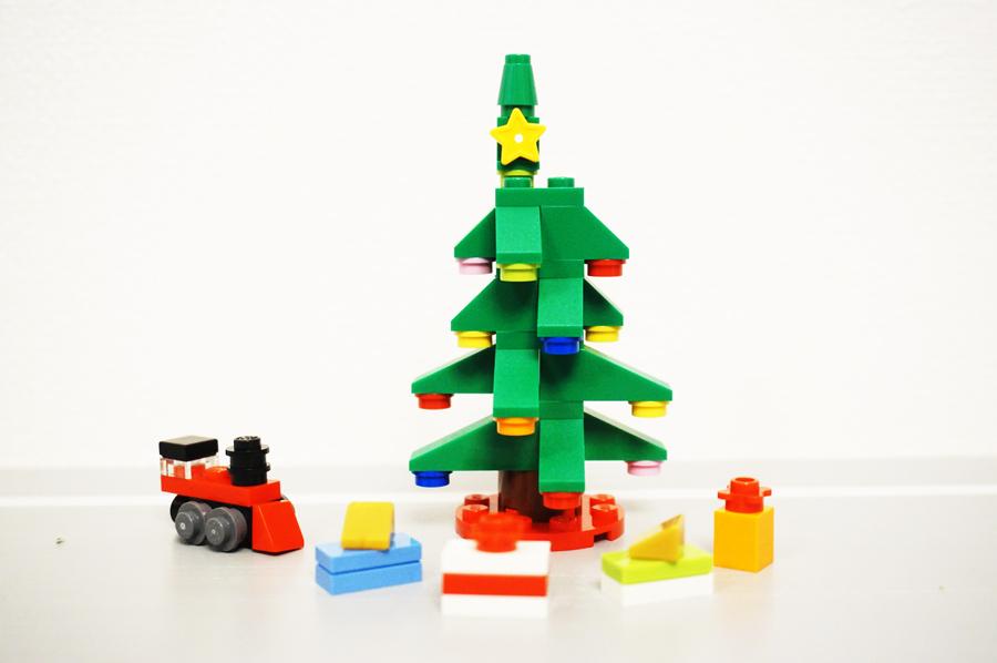 レゴクリスマスツリーとプレゼントのセット