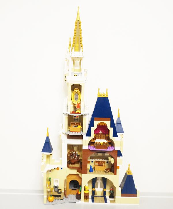 レゴのディズニーキャッスル上の塔