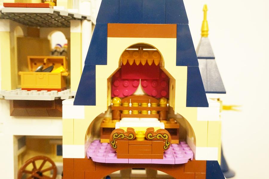 レゴのシンデレラ城の寝室
