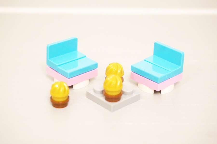 レゴ椅子とタルト