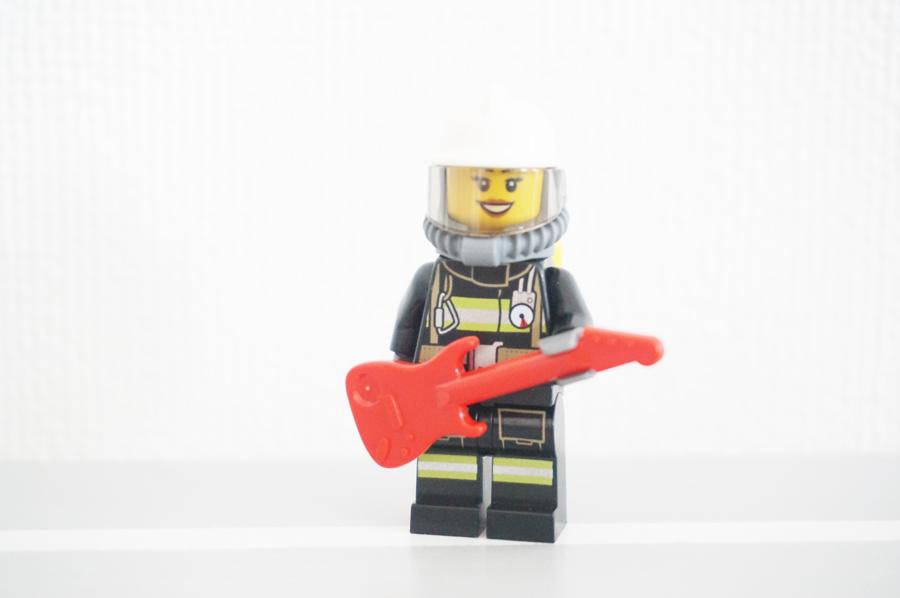 レゴ女性消防士