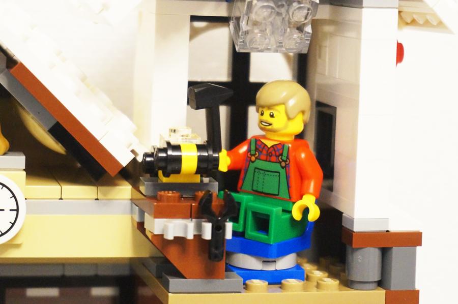 10249レゴ冬のおもちゃ屋さん2階の工房