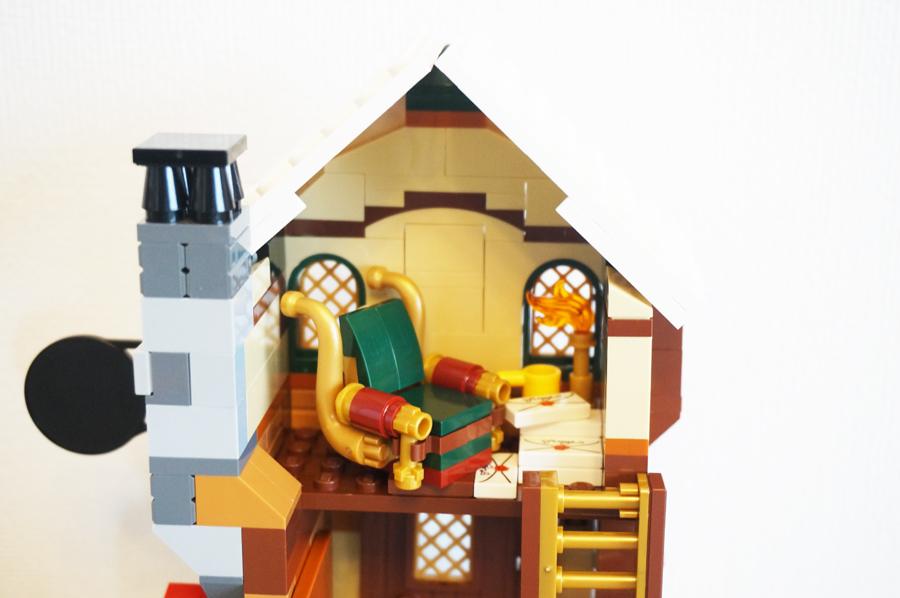 LEGO10245サンタのワークショップソファー