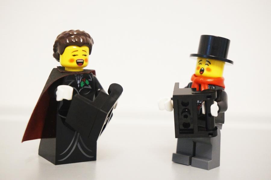 レゴ聖歌隊のミニフィグ