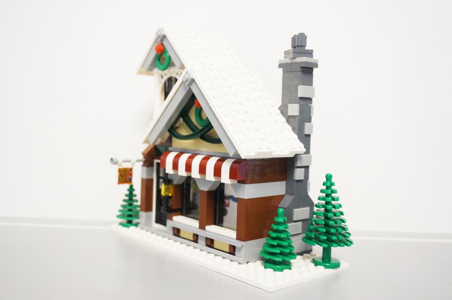 10249レゴ冬のおもちゃ屋さん斜めから