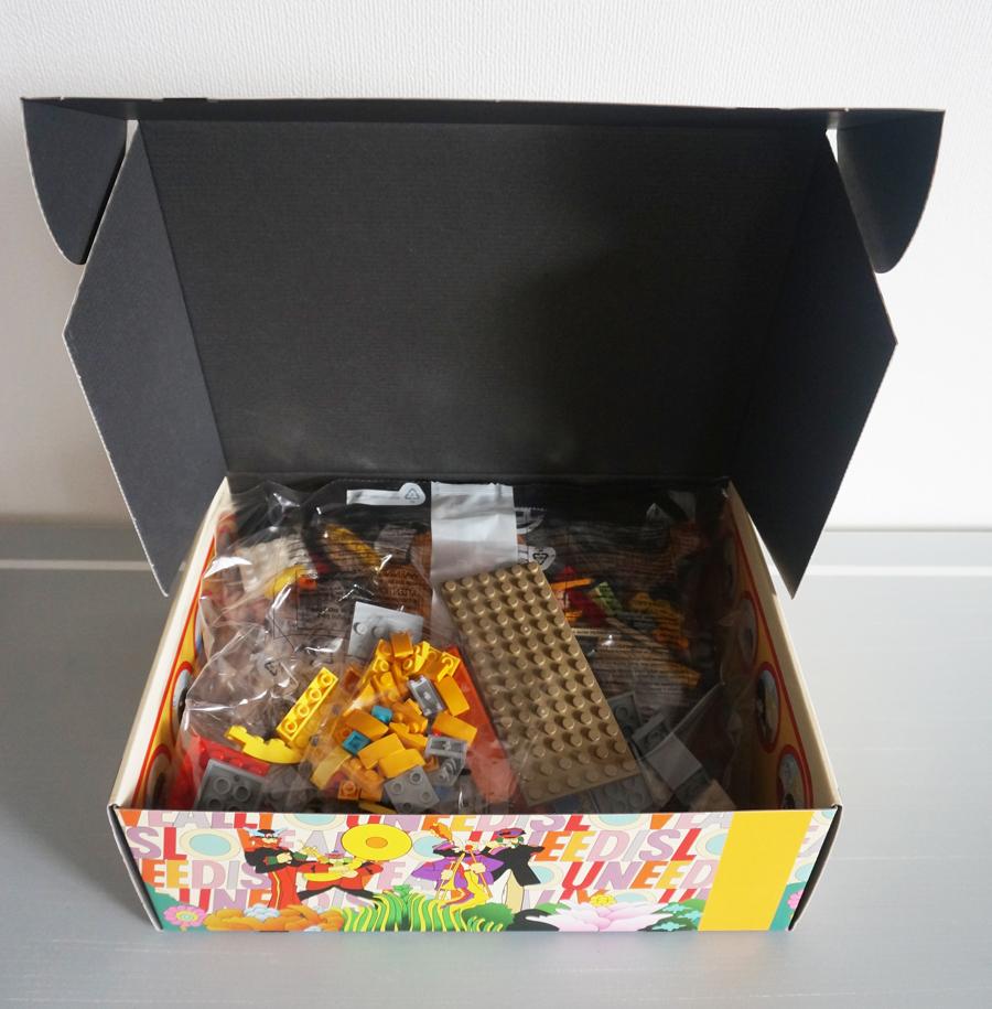 LEGO21306中身