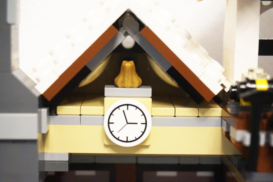 10249レゴ冬のおもちゃ屋さん時計