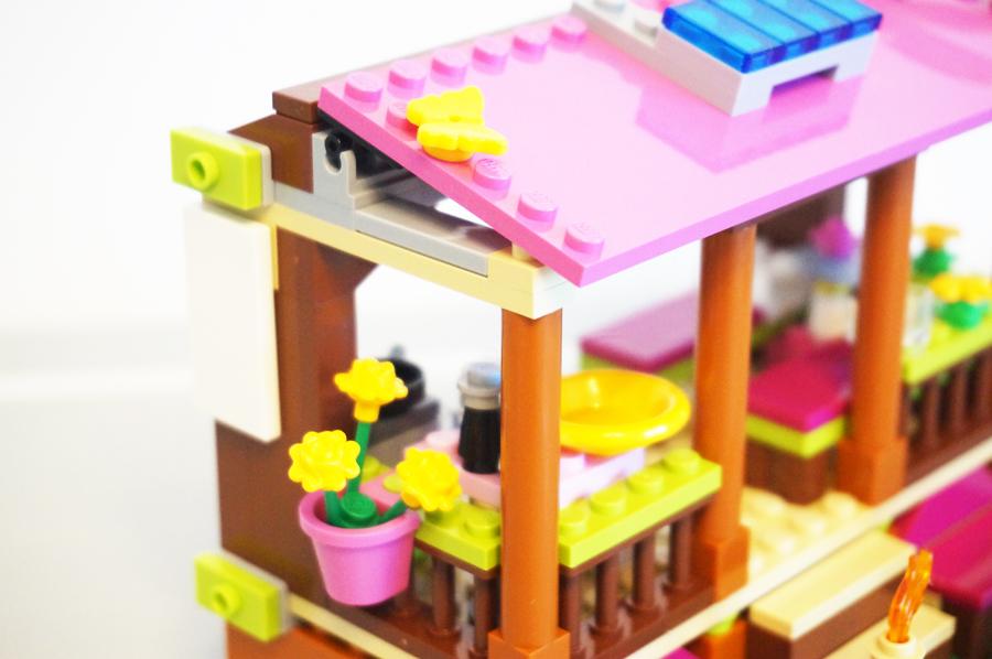 41308レゴフレンズジャングルの小屋横の花壇