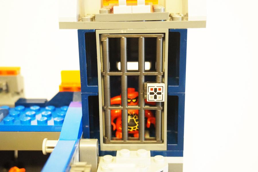 LEGO70317ネックスナイツのフォートレックスの牢屋