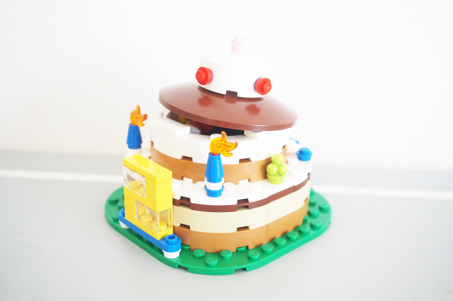 LEGO40153Birthday Decoration Cake Set