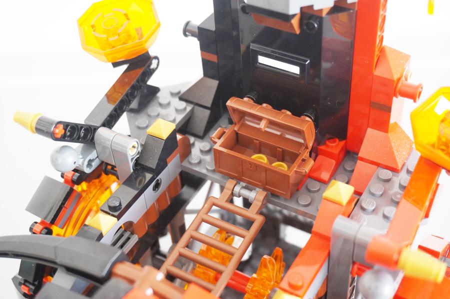 レゴジェストロのマグマ戦車
