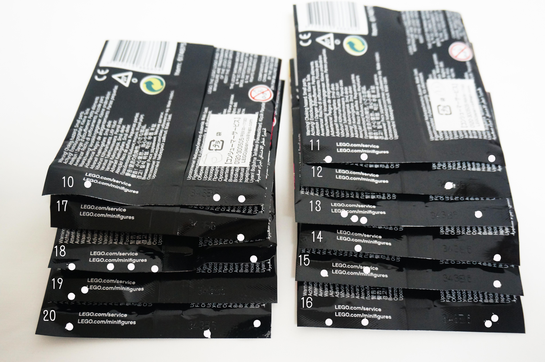 レゴバットマンミニフィギュアシリーズのドットコード