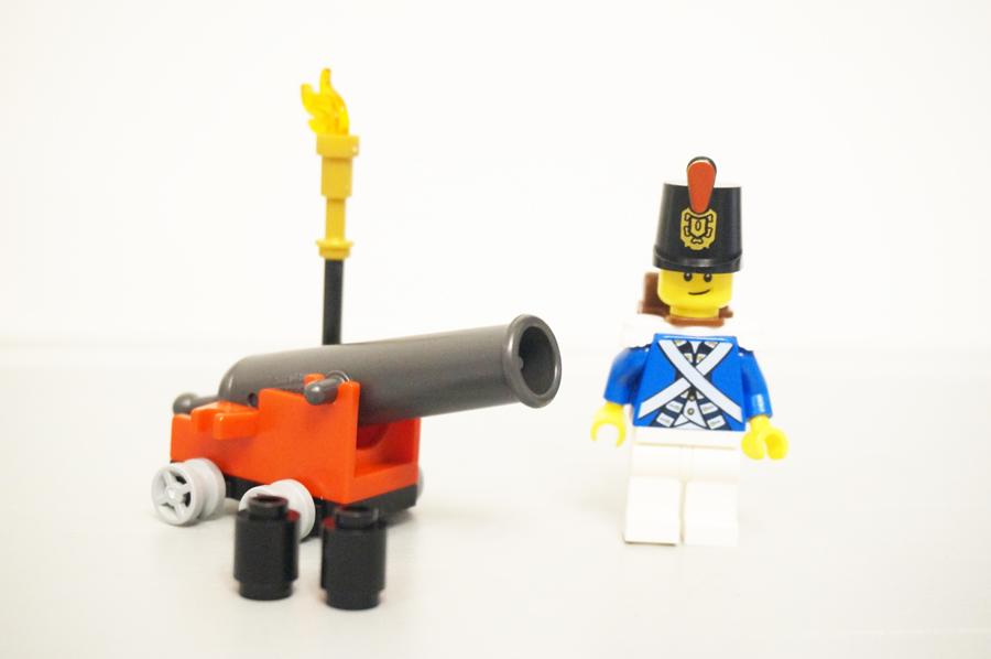 70409レゴパイレーツ海賊の砦 海兵隊のミニフィグ