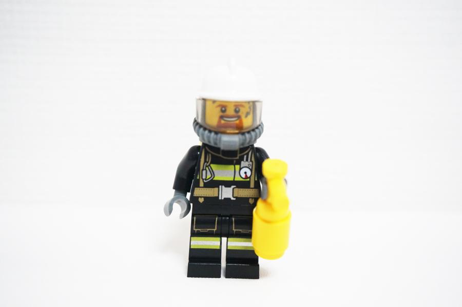 レゴ消防士さんのミニフィグ