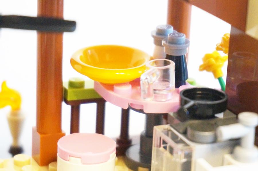 41308レゴフレンズジャングルの小屋のテーブル