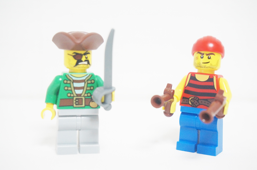 70412 レゴパイレーツ 海兵隊の砦海賊のミニフィグ