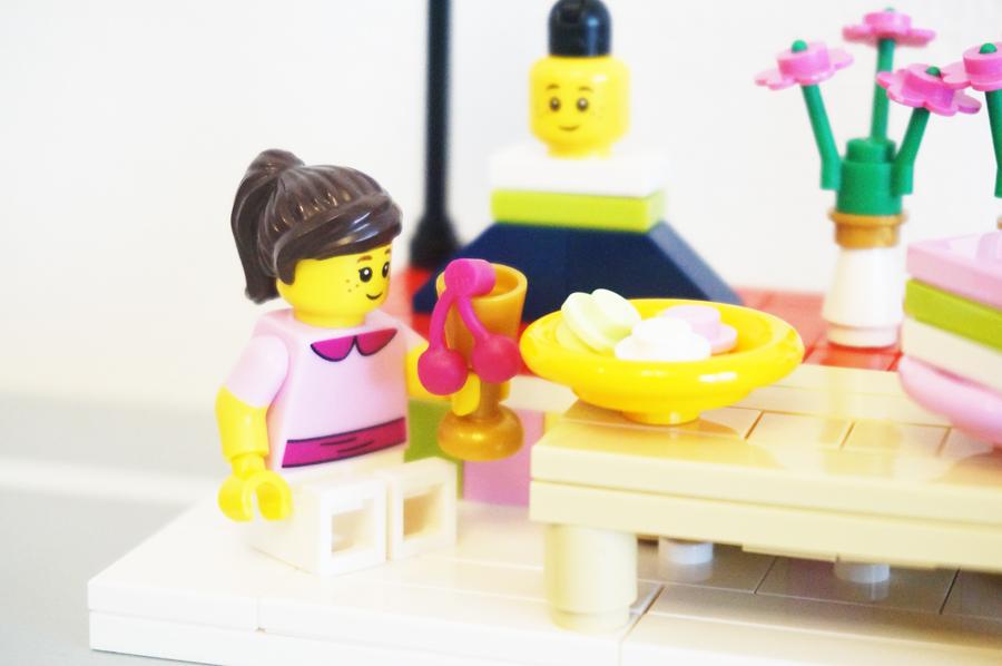 ひな祭りのレゴ三色団子