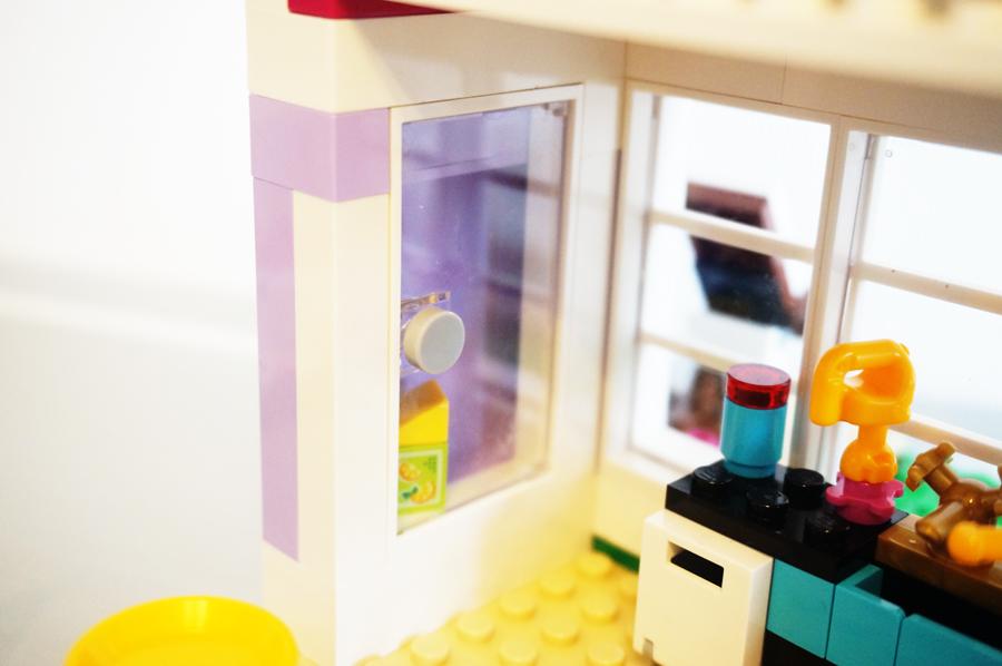 41095レゴフレンズエマのデザイナーズハウスキッチン冷蔵庫