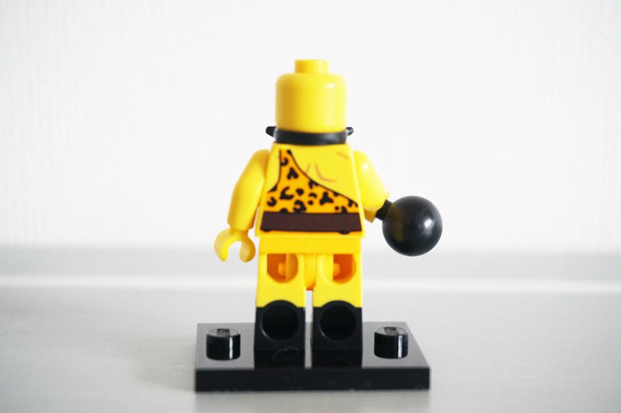 レゴミニフィギュアシリーズ17サーカスの力持ち男