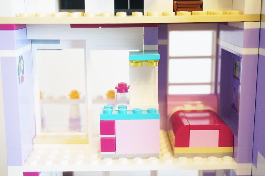 41095レゴフレンズエマのデザイナーズハウスエマの部屋