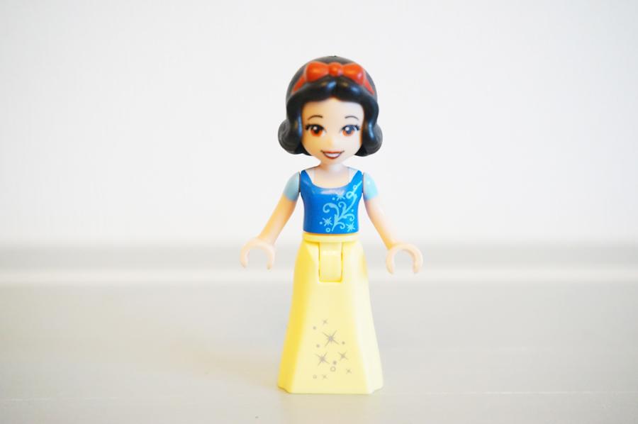 10738LEGOジュニア 白雪姫の森のおうち