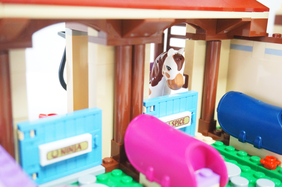 41126LEGOフレンズ ハートレイクの乗馬クラブ Heartlake Riding Club