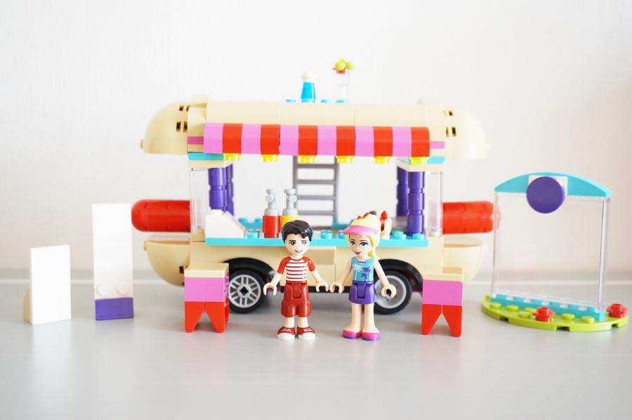 41129レゴフレンズ遊園地ホットドッグカー Amusement Park Hot Dog Van