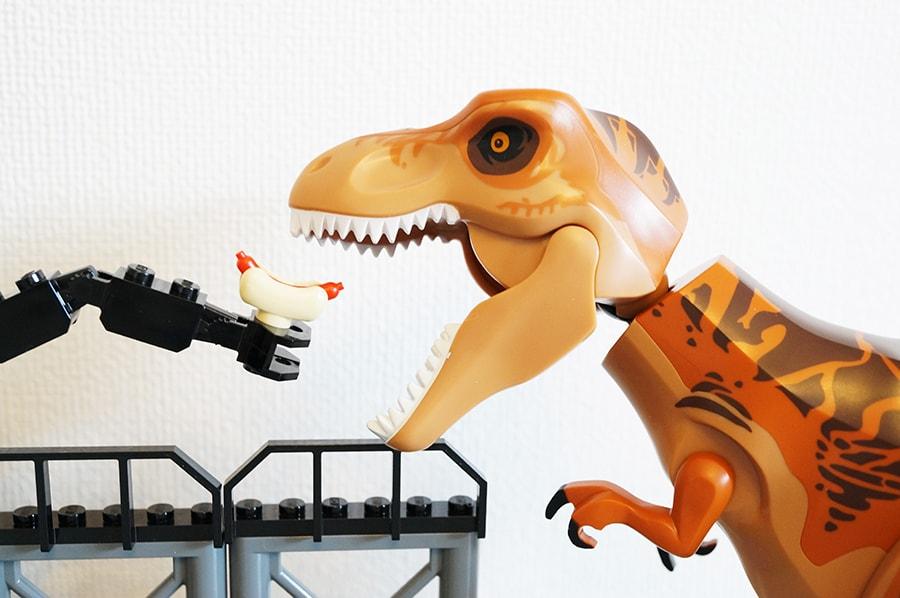 10758レゴジュニア T-レックスの脱走 T - Rex Breakout