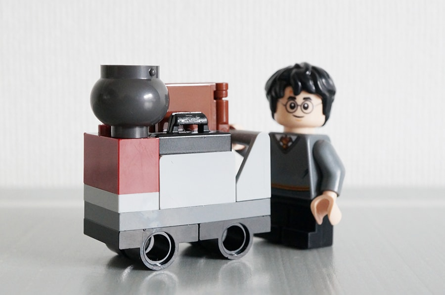 LEGO30407 Harry 's Journey to Hogwarts